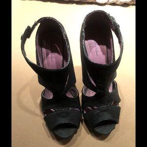 Michael Antonio Black Suede heels